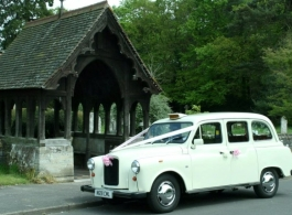 White London cab for weddings in Richmond